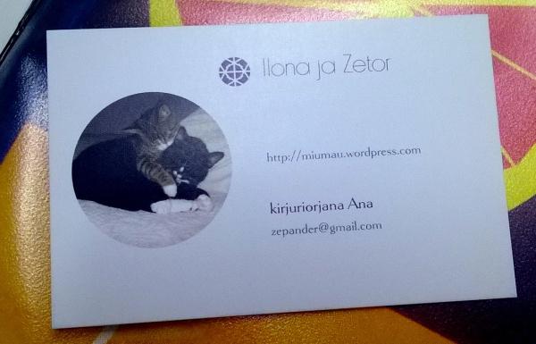 uusi käyntikortti kissablogille, noitten kuva ja blogin nimi, osoite, kirjurin salanimi ja gmail